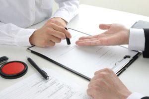 不動産の売却は「仲介業者」と「買取業者」どちらが良い?それぞれのメリット・デメリットを解説